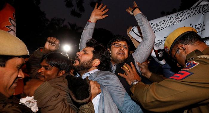Protestas en la India tras intento de dos mujeres de entrar en un templo hindú