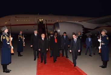 رئيس زمبابوي يصل في زيارة عمل إلى أذربيجان