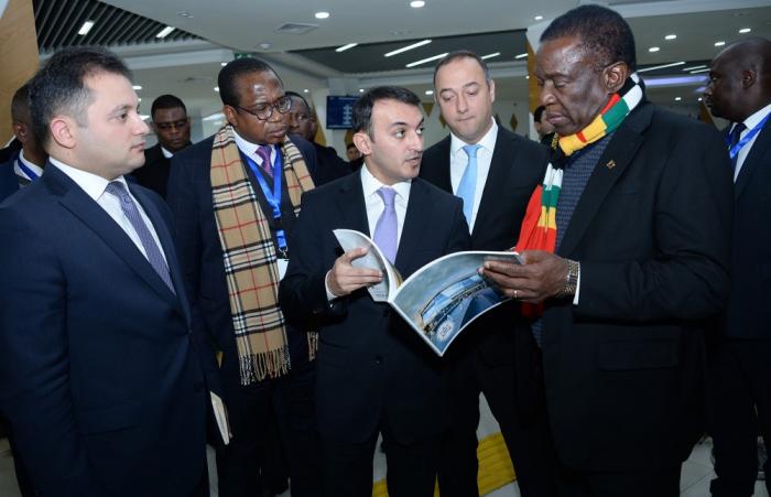"""Zimbabve prezidenti """"ASAN xidmət"""" mərkəzində -"""
