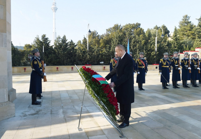 Tragédie du 20 Janvier:  Ilham Aliyev visitel