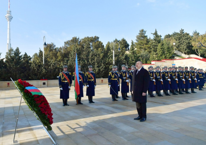 President Ilham Aliyev pays tribute to January 20 martyrs