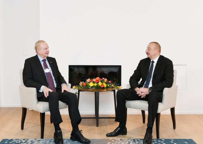 Davos: Präsident Ilham Aliyev trifft BP-Hauptgeschäftsführer