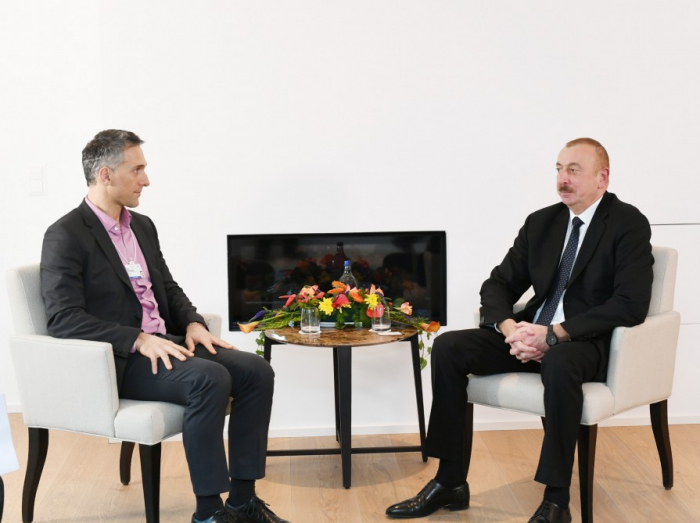 Azerbaijani president meets with Signify CEO