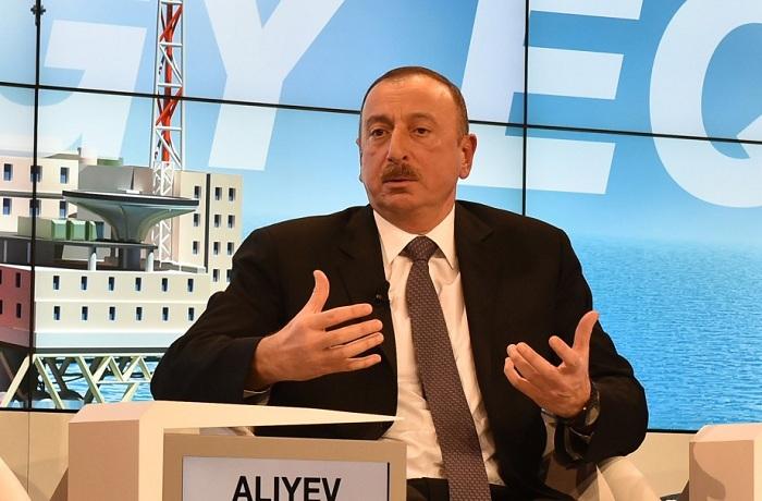 Presidente Ilham Aliyev intervendrá hoy en Davos