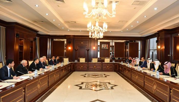 Aserbaidschan und Saudi-Arabien tauschen sich über die interparlamentarische Zusammenarbeit aus