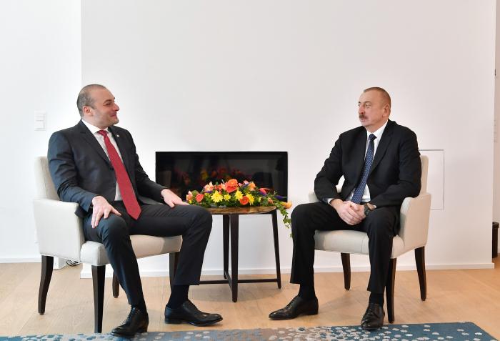 Azerbaijani President meets Georgian PM-  URGENT