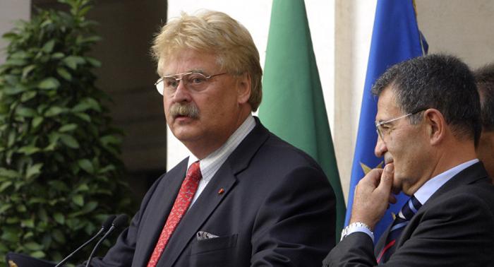 Doppelt abkassiert? EU-Abgeordneter Elmar Brok (CDU) in Erklärungsnot