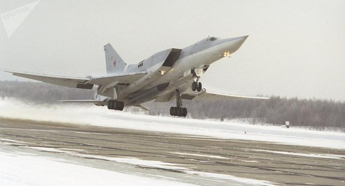 Kampfflugzeug Tu-22M3 stürzt bei Murmansk ab – Zwei Piloten tot