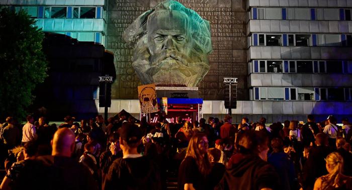 Ostdeutschland mehrheitlich skeptisch: Wenig Vertrauen in Demokratie und Politik