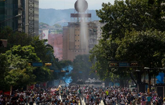 Venesuelada etiraz aksiyaları - 16 nəfər ölüb