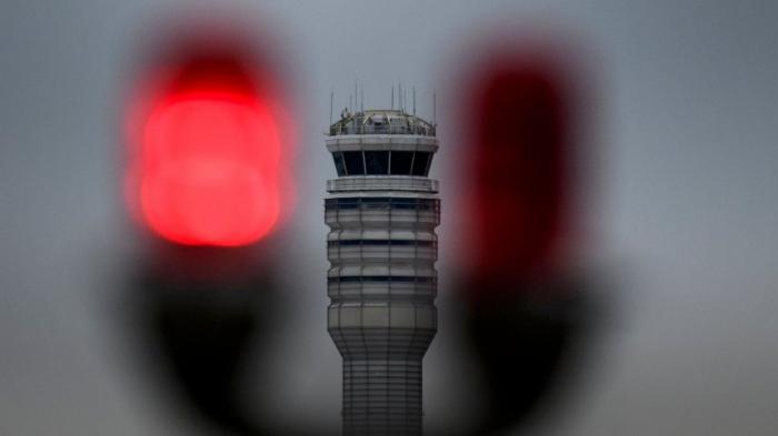 US-Fluglotsen und Piloten warnen vor unkalkulierbaren Risiken