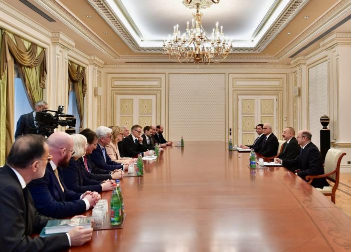 Staatspräsident Ilham Aliyev empfängt deutsche Delegation