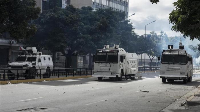 Venezuelan authorities arrest 7 foreign journalists