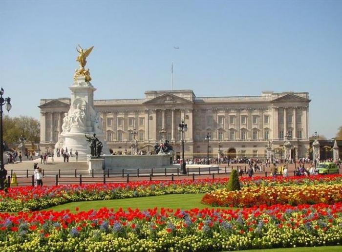 قصر باكنغهام: الأمير فيليب ينجو من حادث سيارة دون إصابات