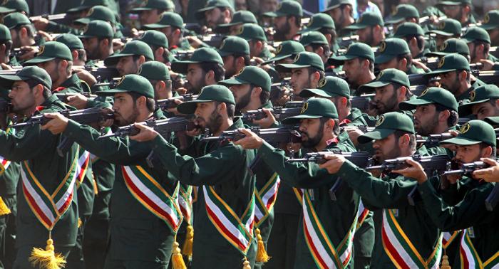 """تحذير خطير لـ""""الأعداء""""... الحرس الثوري يهدد بتحويل مياه الخليج إلى مستنقع من الدماء"""