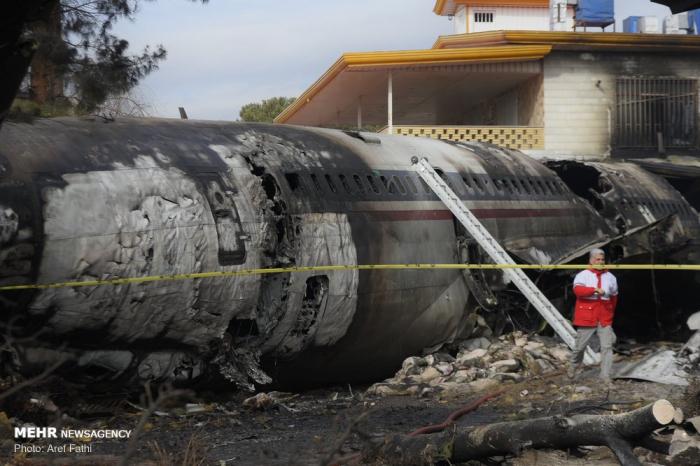 Iran:  Un avion avec 10 personnes à bord s