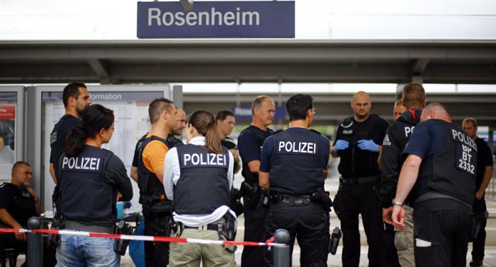 Migrant landet nach Angriff auf Polizei im Gefängnis