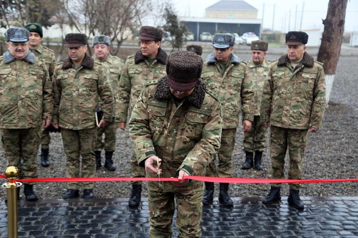 Müdafiə naziri cəbhəboyu zonada - VİDEO+FOTO