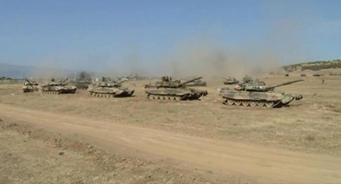 الجيش العراقي يعرض قوته الضاربة الرئيسية