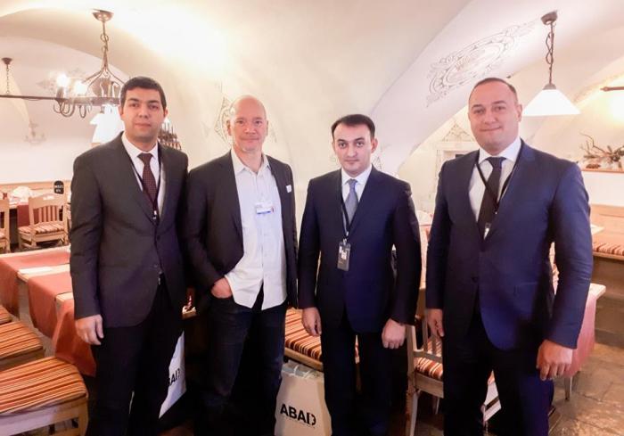 Dövlət Agentliyinin sədri Davosa səfər edib - FOTO