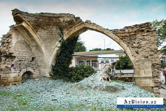 Xarabalığa çevrilən məscid: Qorxu çıxartmaq üçün ora gedirlər - FOTOLAR