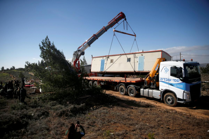 Israeli police remove settlers from illegal West Bank outpost