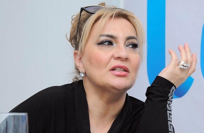 """AzTV-yə buraxılmayan müğənni: """"Alışanov elə şeylərə baxmırdı"""""""