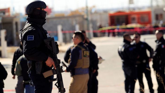 Descubren 20 cadáveres y cinco vehículos calcinados en México, cerca de la frontera con EEUU