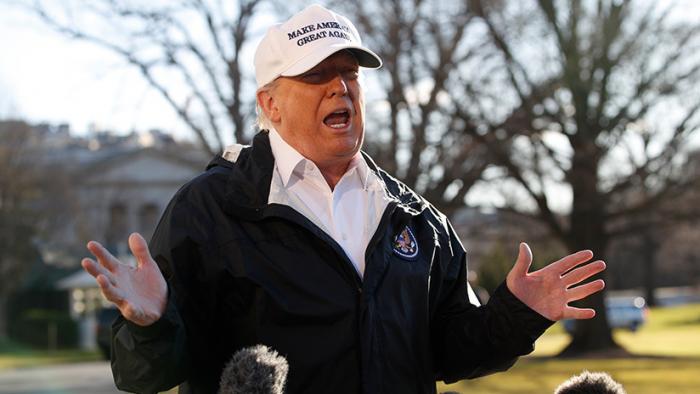 Trump anuncia que no irá a Davos por el cierre presupuestario
