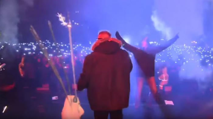 Atacan con un cuchillo a un alcalde polaco en pleno concierto-   Video