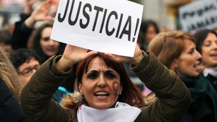 Por qué se manifiestan las mujeres en España