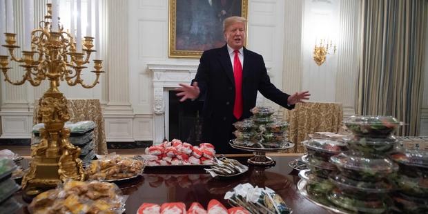"""Shutdown"": fast-food à la Maison Blanche, Trump paye l"
