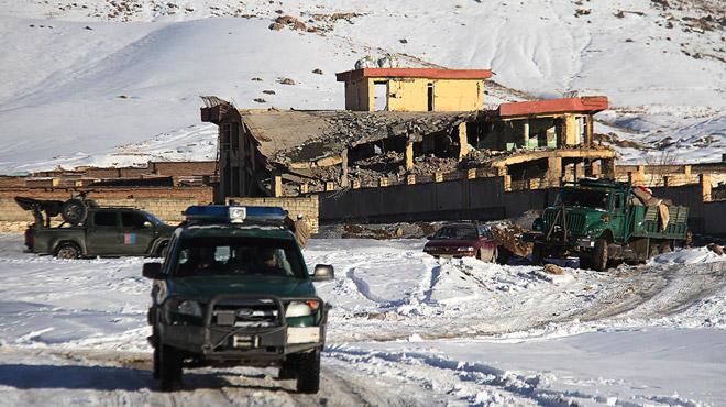 Afghanistan :  au moins 65 morts  dans une attaque talibane contre une base du renseignement militaire