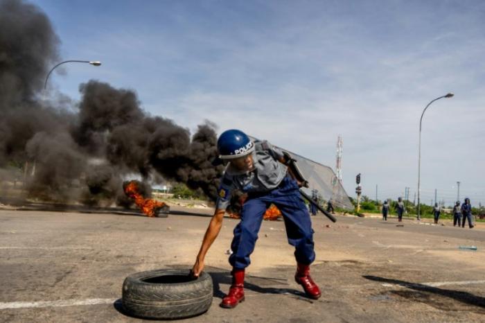 Zimbabwe: les manifestations contre la hausse des prix du pétrole font des morts