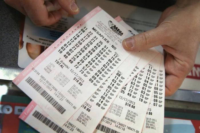 """""""Shutdown"""" : son mari privé de salaire, elle gagne 100.000 dollars à la loterie"""