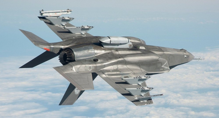 """القائم بأعمال رئيس البنتاغون يستخدم لفظا نابيا في الإشارة لمقاتلة """"إف-35"""""""