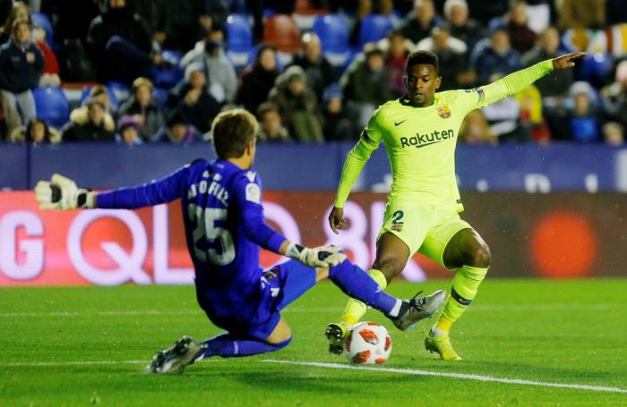 برشلونة يسقط أمام ليفانتي 2-1 في ذهاب كأس إسبانيا
