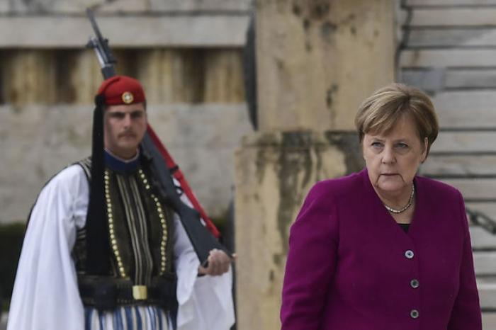 Merkel: «Nous assumons la responsabilité»des crimes nazis commis en Grèce
