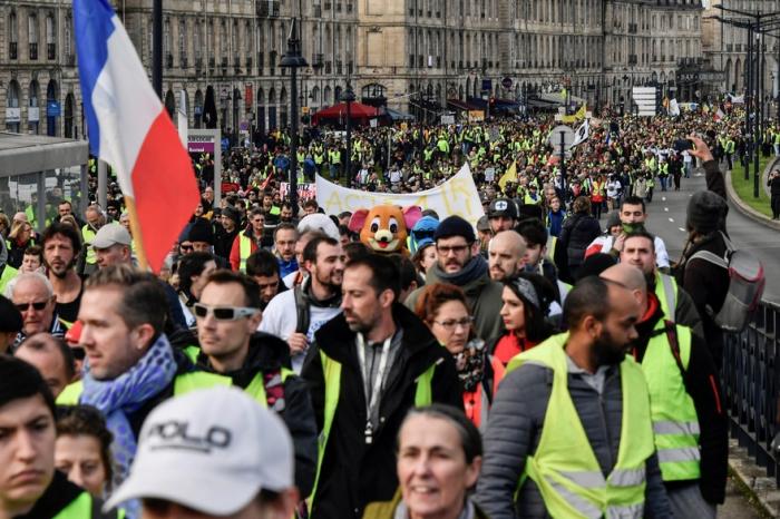 """""""Gilets jaunes"""" :   27.000 manifestants en France à 14 heures, contre 32.000 samedi dernier"""