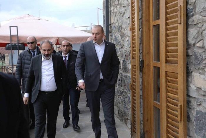Paşinyanın gözlənilməz Gürcüstan səfəri