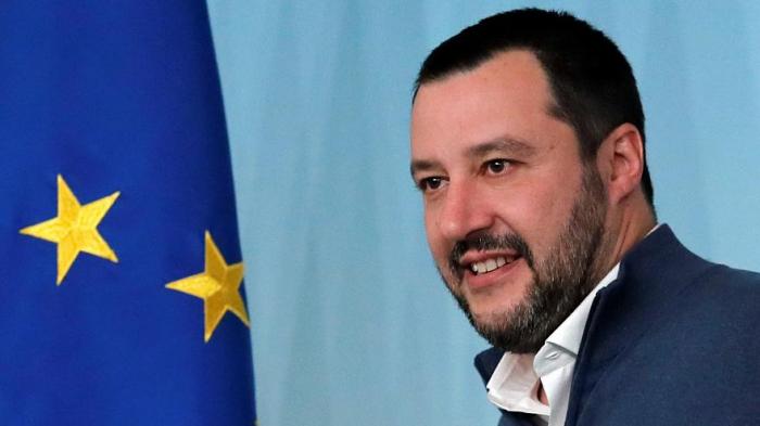 Salvini to Macron: Work with me to arrest Italian