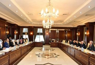 Azerbaiyán y Arabia Saudita discuten la cooperación interparlamentaria