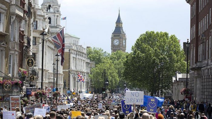 Brexit: Business leaders call for second referendum