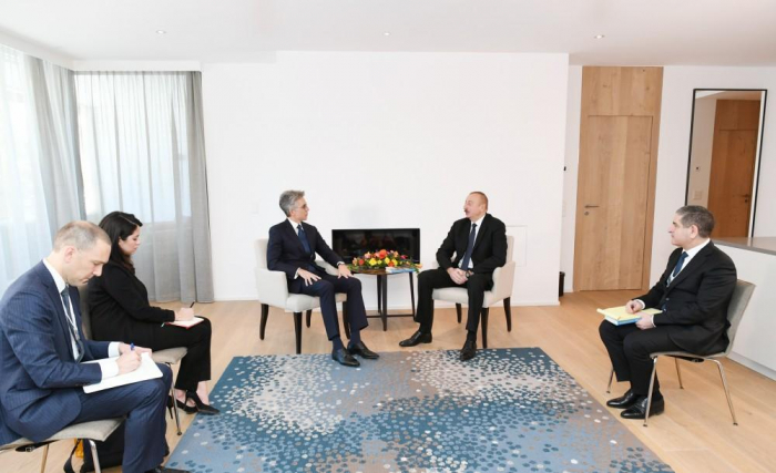 President Ilham Aliyev meets SAP CEO in Davos