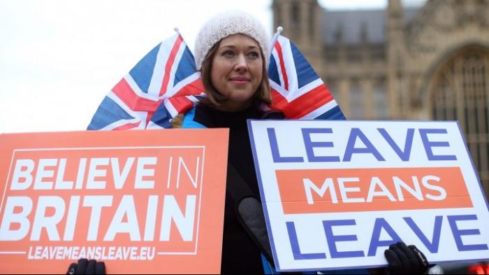 Spitzenpolitiker und Wirtschaftsvertreter fordern Briten zu Verbleib in der EU auf