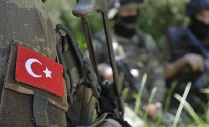 Türkiyə hərbçilərinə hücum edildi - Ölən və yaralı var