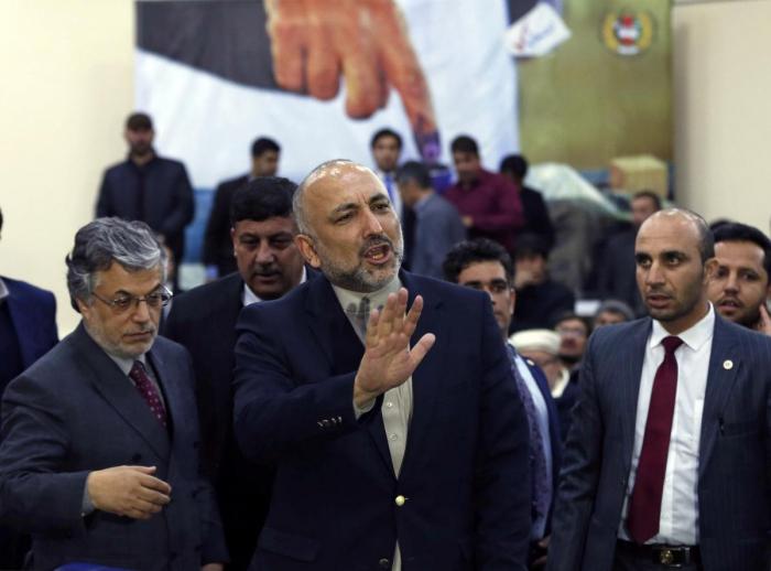Former Afghan security adviser enters race for president