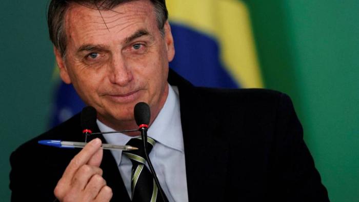 Bolsonaro cambia la ley por decreto para facilitar la venta de armas