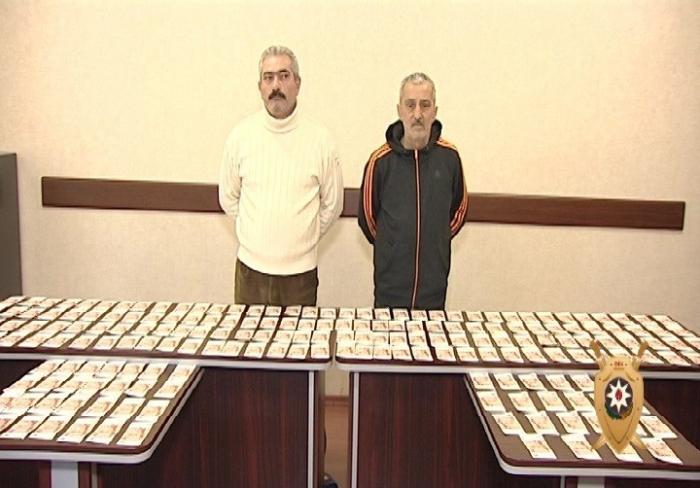 Azərbaycanda 1 milyon saxta rubl satanlar tutuldu - FOTOLAR