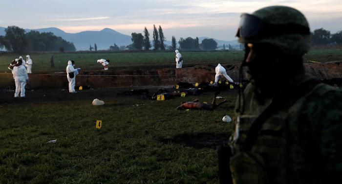 Asciende la cifra de fallecidos por la explosión de un ducto en México